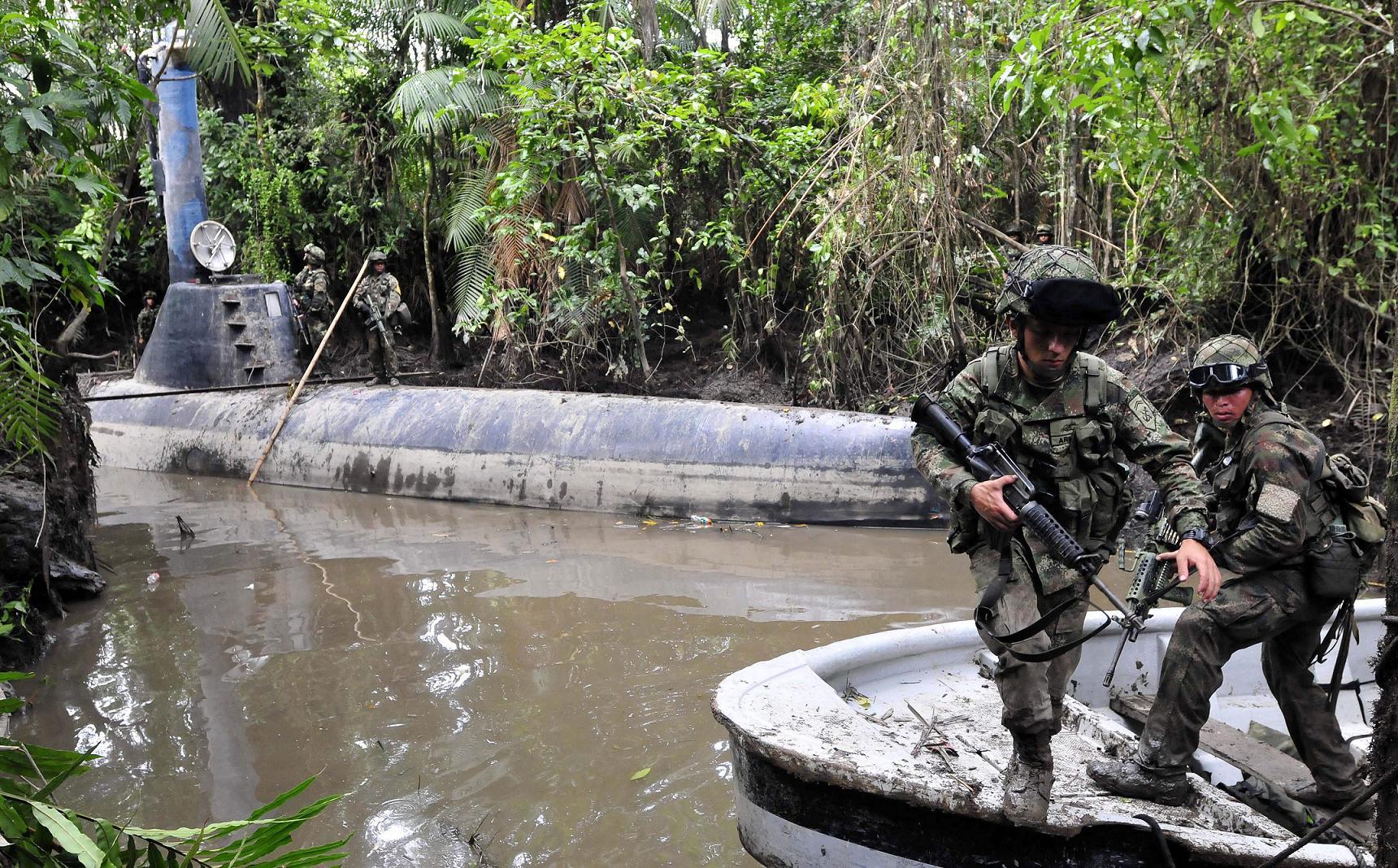 Incautan tres submarinos narcos en Colombia