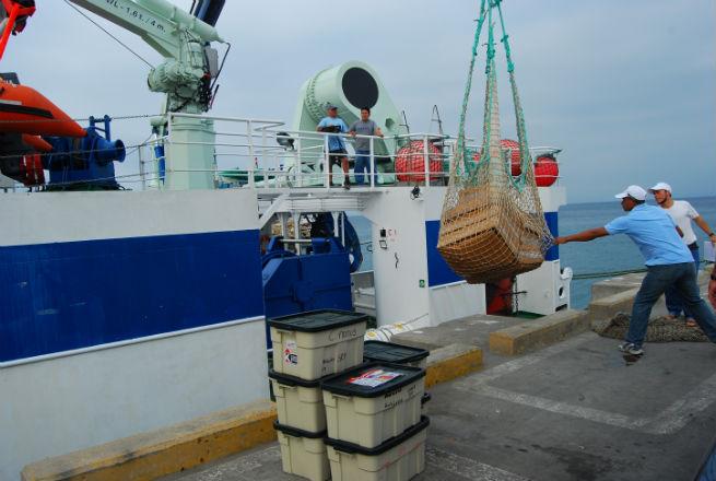 Buque científico arribó al puerto de Manta