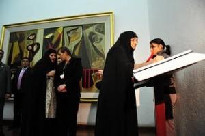 La primera dama iraní visitó la Capilla del Hombre y el centro histórico