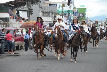 La cabalgata más gran del país en Santo Domingo
