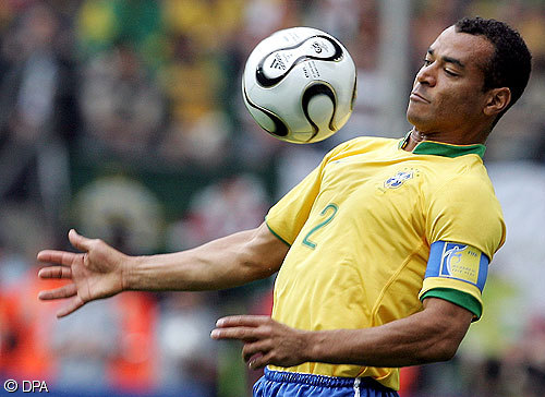 Estrellas del fútbol sortearán eliminatorias del Mundial de 2014