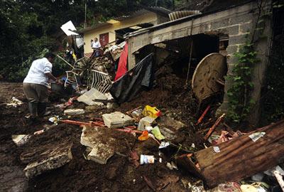 'Calvin' se convierte en huracán frente a las costas mexicanas