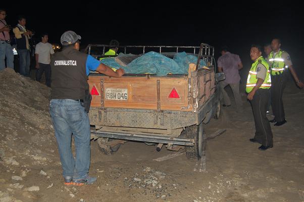 Hallan cargamento de droga en una playa de Manta
