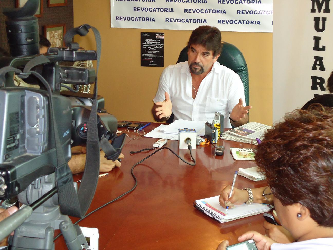 Vera: CNE pone reparos a revocatoria presidencial