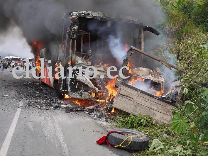 Accidente en Jipijapa deja cinco muertos (resumen)