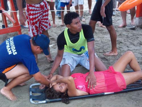 Aguajes dejan varios incidentes en las playas de Manta