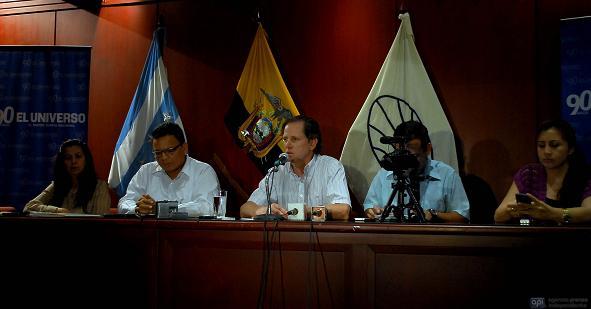 Correa critica condiciones de El Universo