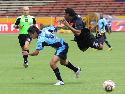 Católica juega bien y vence 3-0 al Dep. Quito