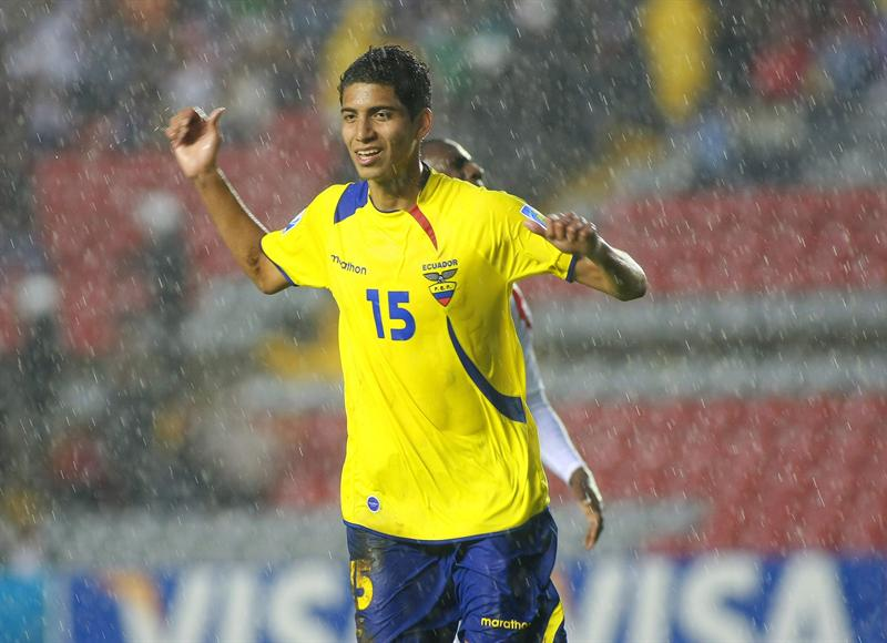 Ecuador saca un triunfo de última hora frente a Panamá
