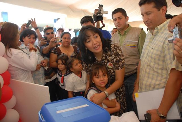 La Ministra de Salud, visitó Portoviejo por lanzamiento de  campaña de vacunación