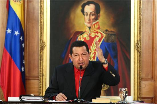 Chávez dice no asistirá a posesión de Santos