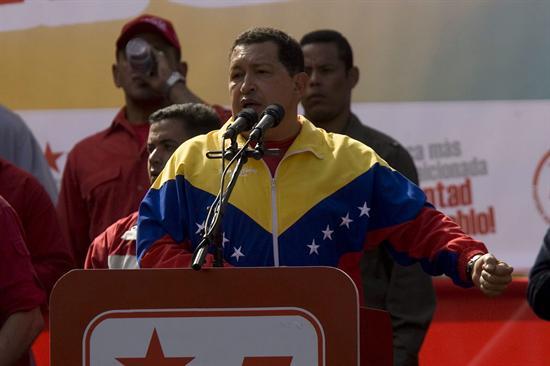 Chávez se detracta y dice que continuará con poderes