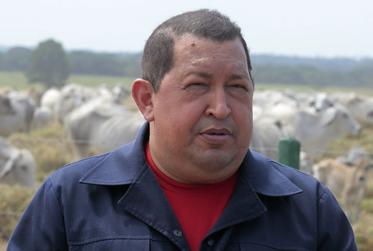 Chávez advierte con nacionalizar bancos