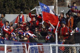 Chilenos cruzan frontera para ver partido con Uruguay