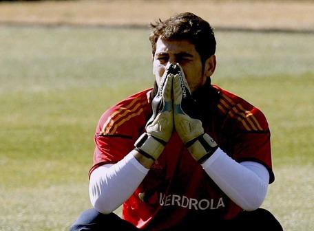 España supera a la Roja chilena por 2-0 (descanso)