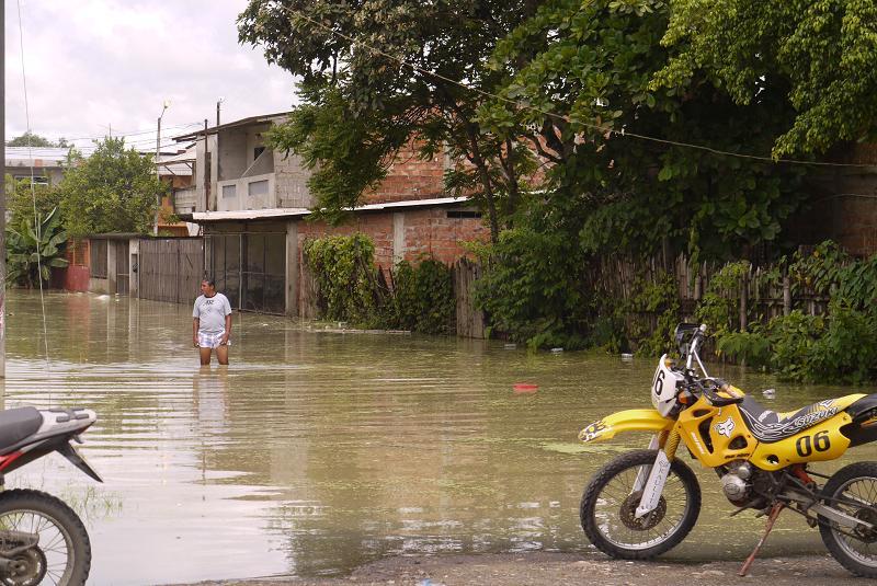 Chone soporta la inundación más fuerte de lo que va el invierno