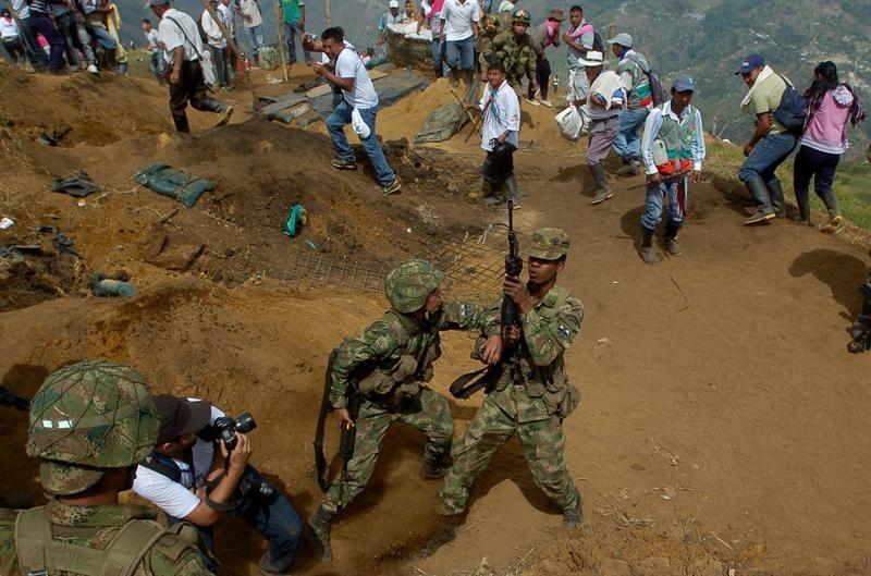100 soldados fueron expulsados por indígenas