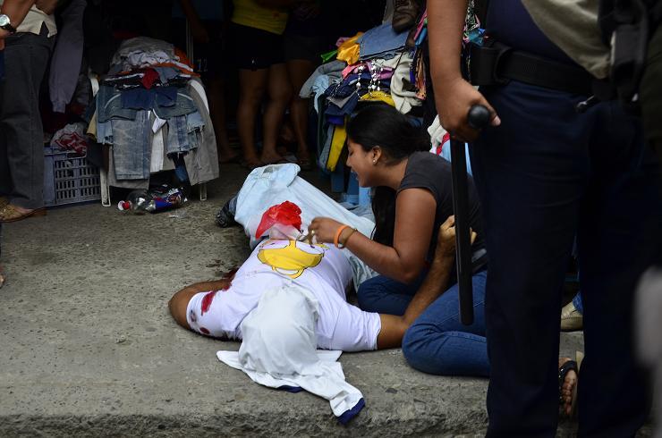 Asesinan a un colombiano  en el mercado de Tarqui