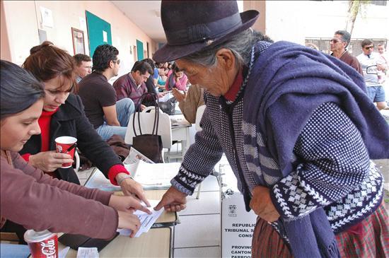 Las elecciones del 2013 no serán suspendidas