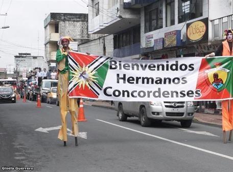 Santo Domingo recibió con regalos a La Concordia, luego de consulta