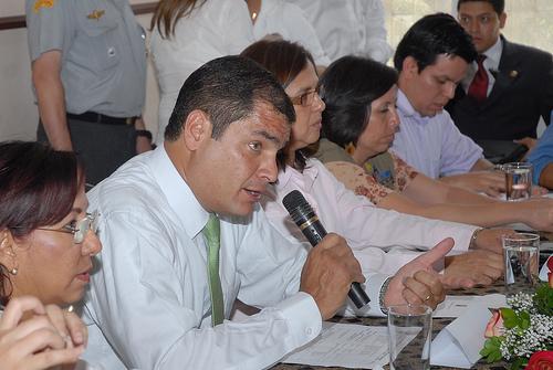 Correa pretende elevar a $ 320 el salario básico