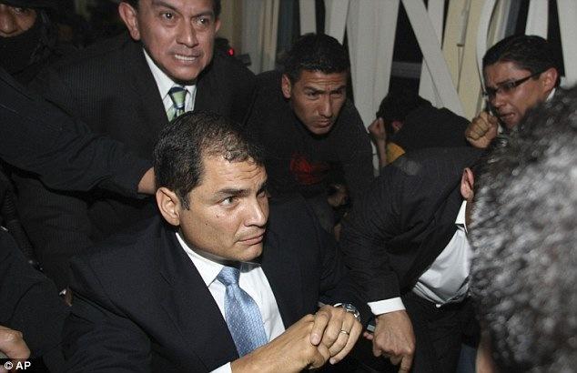 Correa explica a delegados ONU versión sobre el 30S