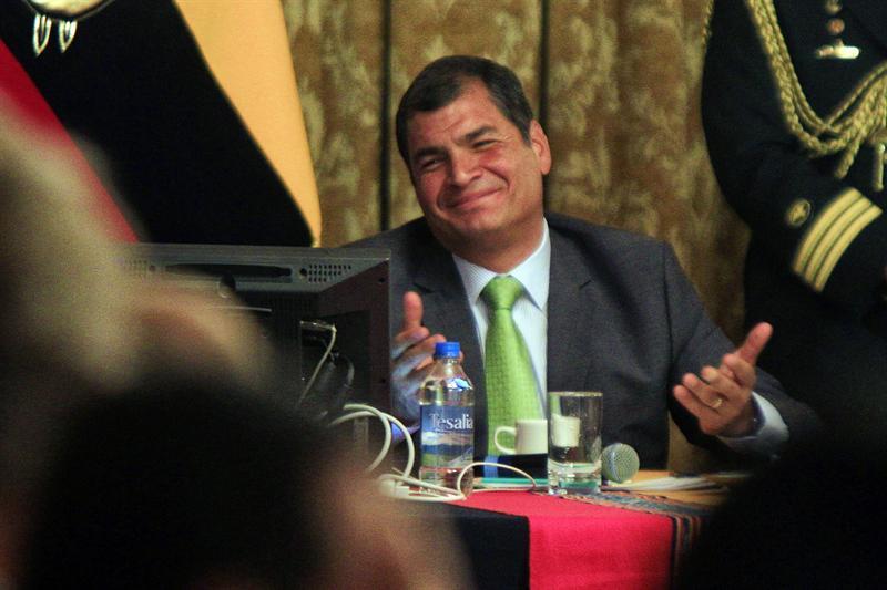 Correa busca 'obligar' a Gran Bretaña a entregar salvoconducto