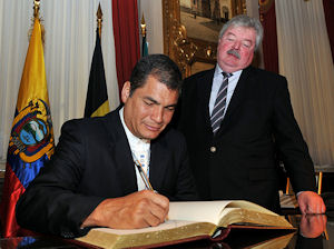 Unasur aliviará tensiones entre Colombia y Venezuela dice Correa