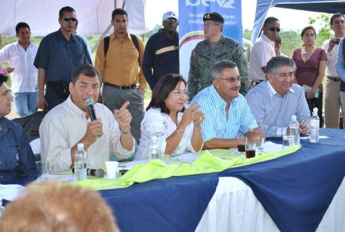 Correa califica a juez de 'corrupto'