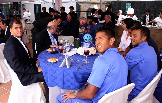 Correa almuerza con el equipo de sus 'amores'