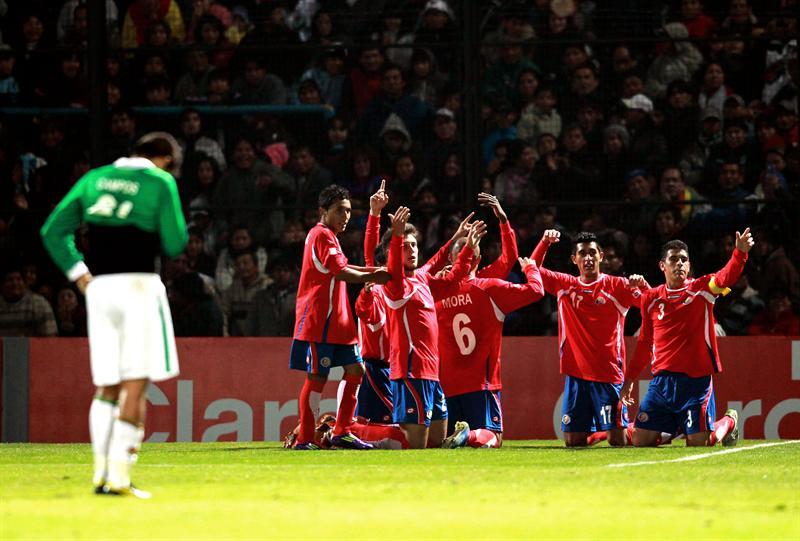 Contraataque de Costa Rica le permite ganar a Bolivia