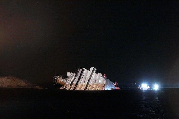 Aparece uno de los dos ecuatorianos que iba en el crucero que naufragó