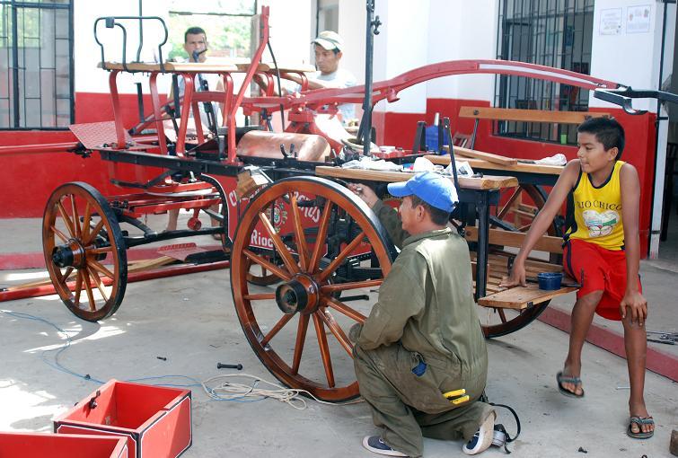 Restauran piezas históricas del Cuerpo de Bomberos
