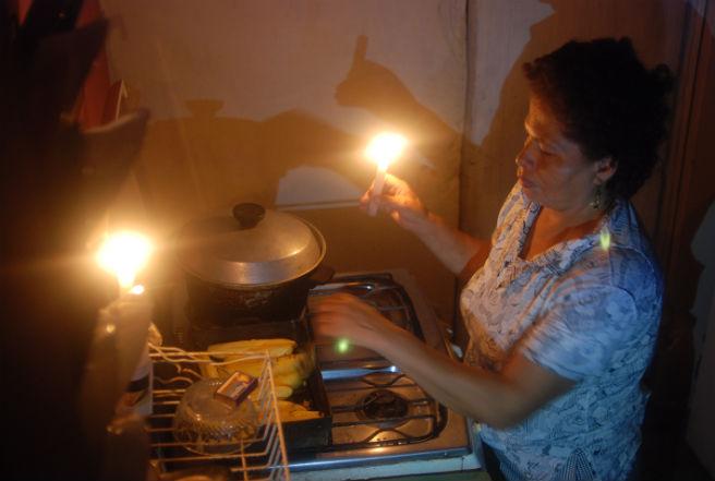 Prevén que apagones en Ecuador se extiendan hasta fin de año