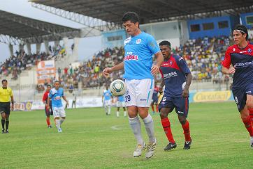 Olivera dio triunfo al Manta  2-1 frente al Olmedo