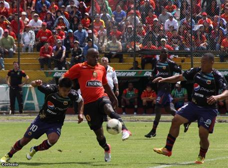 Deportivo Cuenca y D. Quito empatan en el Alejandro Serrano Aguilar