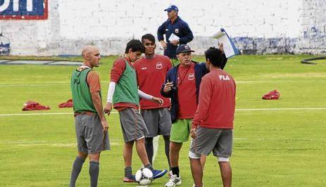 Deportivo Quito venció por 2-1 a Deportivo Cuenca