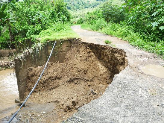 Más de diez horas de lluvias ocasionan pérdidas