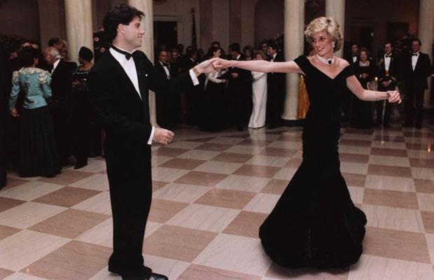Subastan en más de $ 800.000 un vestido de Ladi Diana