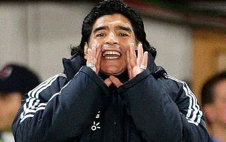 Maradona vuelve a atacar a Grondona y Bilardo