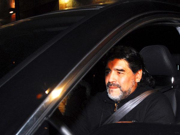 Maradona sufre accidente y está 'en perfecto estado'