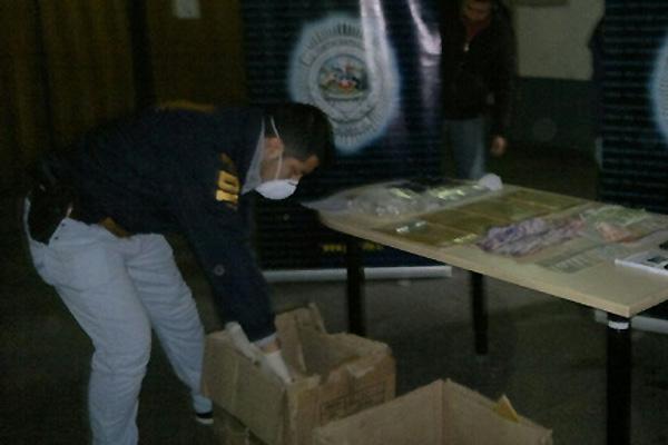 Detienen en Santiago a dos bolivianos y un chileno con ocho kilos de cocaína
