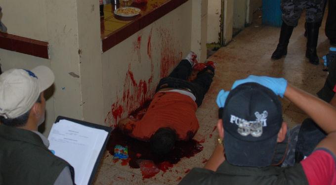 Matan a hombre de 17 disparos en la cabeza