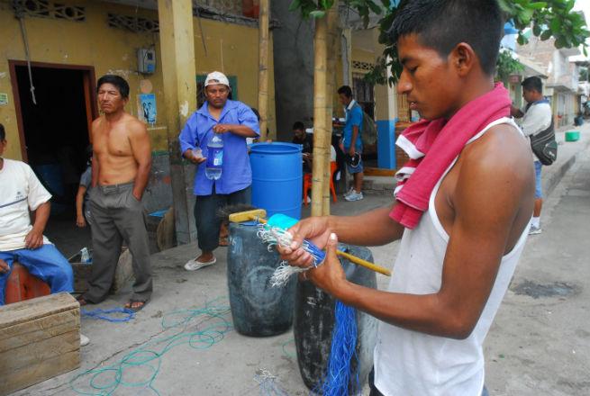 Pescadores se quejan por presencia de barcos camaroneros