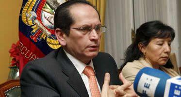 Un grupo de 60 ecuatorianos acude a los tribunales para reclamar a Air Comet