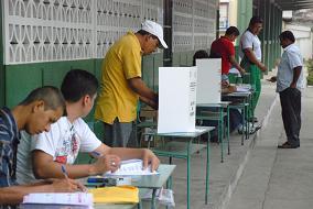 Manabí sería dividida en 2 distritos electorales