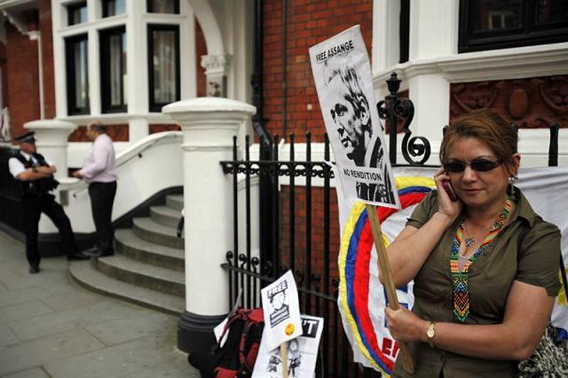 Julian Assange pide asilo en embajada ecuatoriana