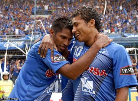 Emelec goleó, va a la Libertadores y jugará la final 2010