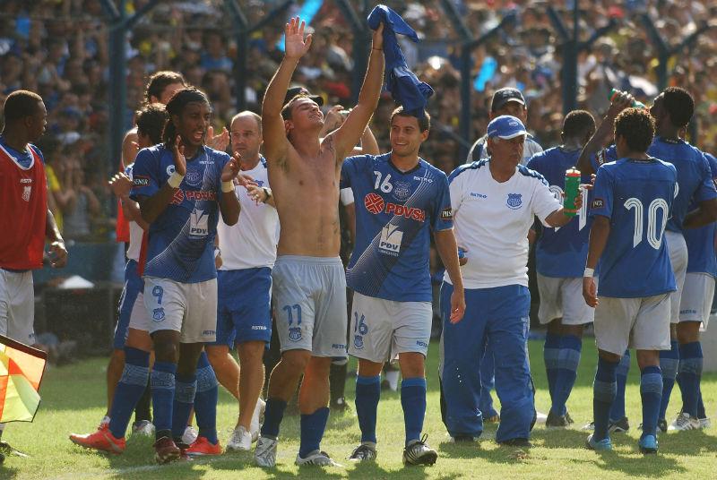 Emelec, Liga de Quito, Barcelona y Deportivo Quito van a la sudamericana