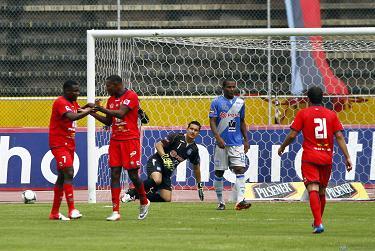 Emelec cayó por 0-3 ante El Nacional